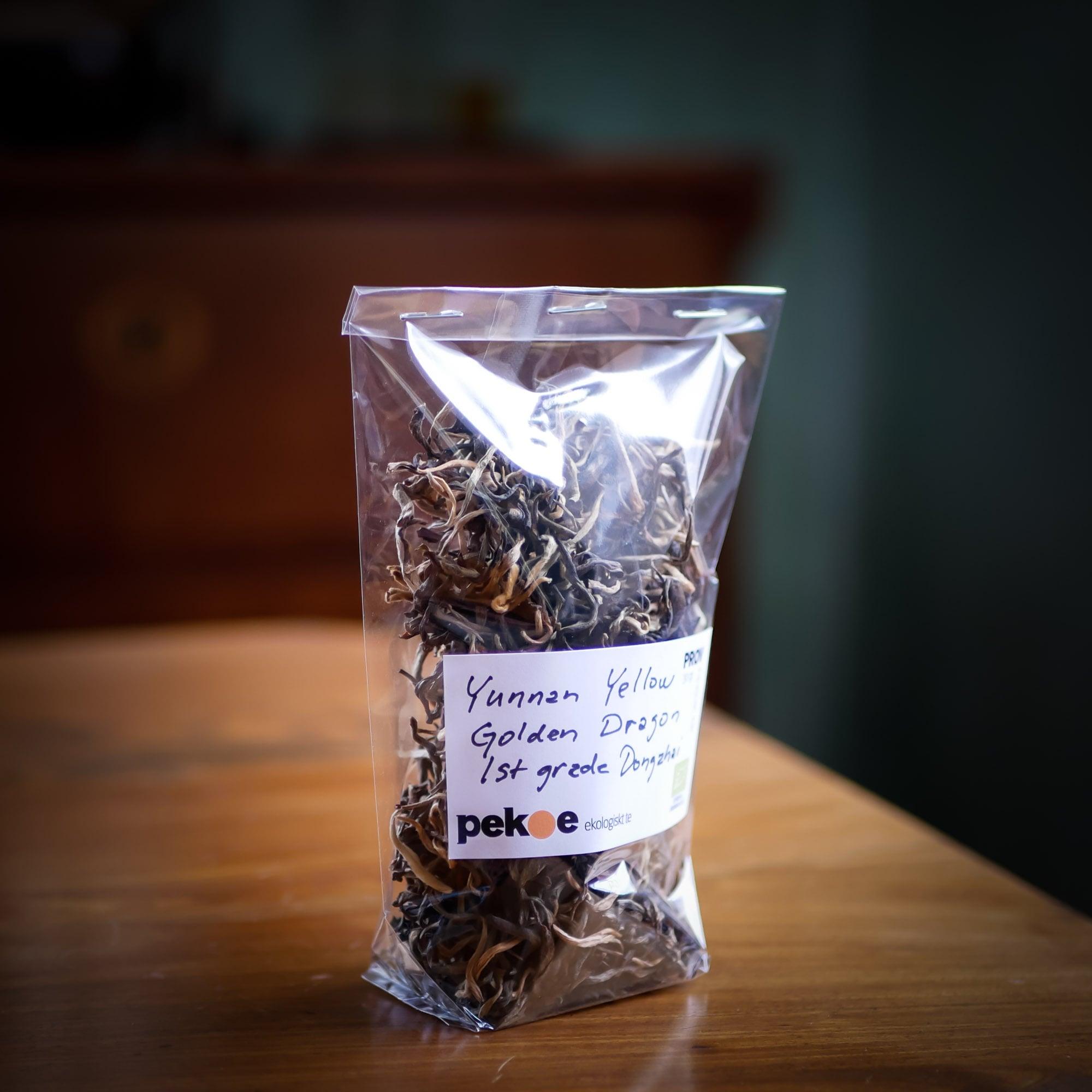 Gult te från gården Dongzhai i Yunnan